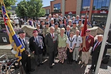 2.	Soldiers from the 170 Engineer Group Royal Engineers, representatives of the Royal British Legion, Forces in the Community, Freemen, Aldermen, Past Mayors, and Councillors join the Mayor and Youth Mayor in celebrating Armed Forces Flag Raising Day.