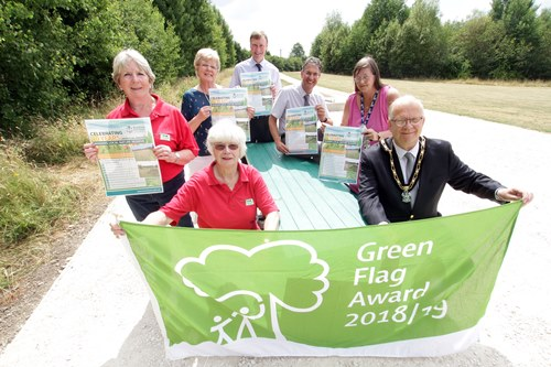 Mayor of Broxtowe, Environments Officers and Friends of Colliers Wood with Green Flag Award
