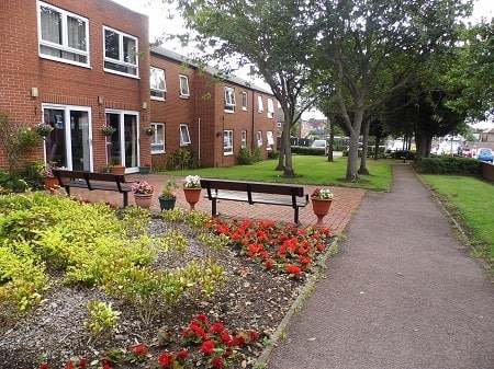 Outside view of Yew Tree Court, Beeston Scheme