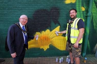 The Mayor and street artist Russ Meehan