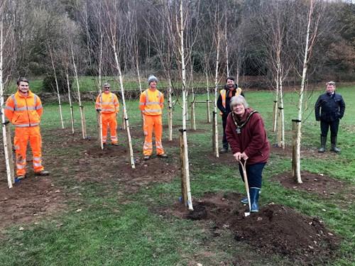 Mayor of Broxtowe helps to plant trees